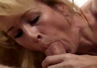 euro milf receives cummed on her snatch